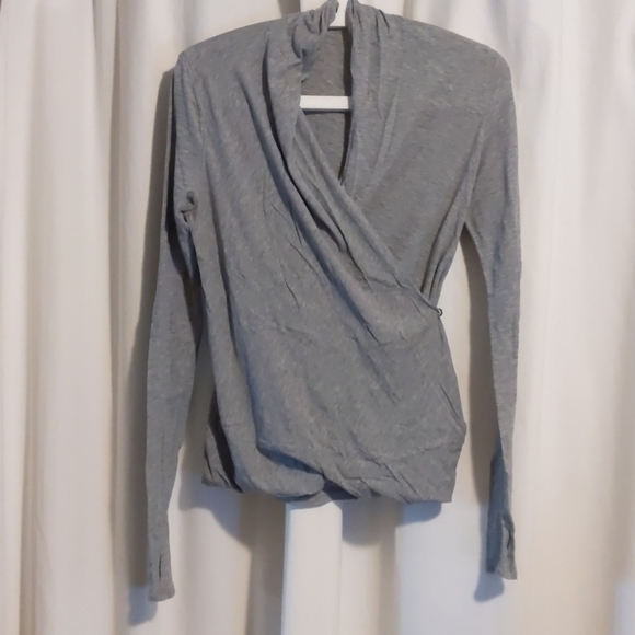 Lululemon Radiant long sleeve - size 4